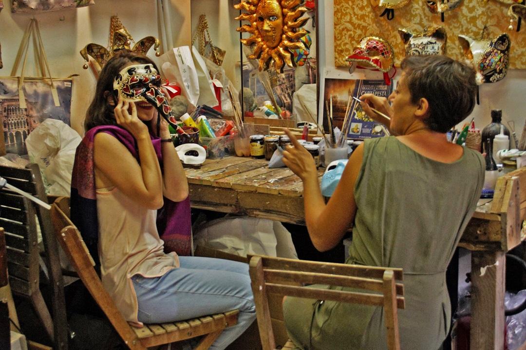 making masks in Venice