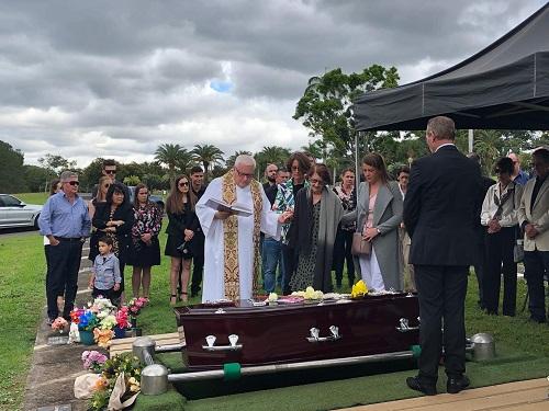 Pinaroo Lawn Cemetery Brisbane