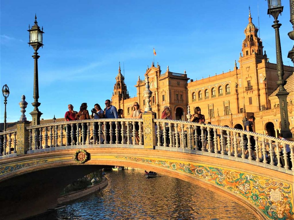 Progressive Traveller Goes to Plaza de Espana Seville