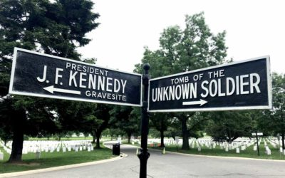 John,F, Kennedy, and, Unknown,Soldier, directional, sign, arlington, national, cemetery,