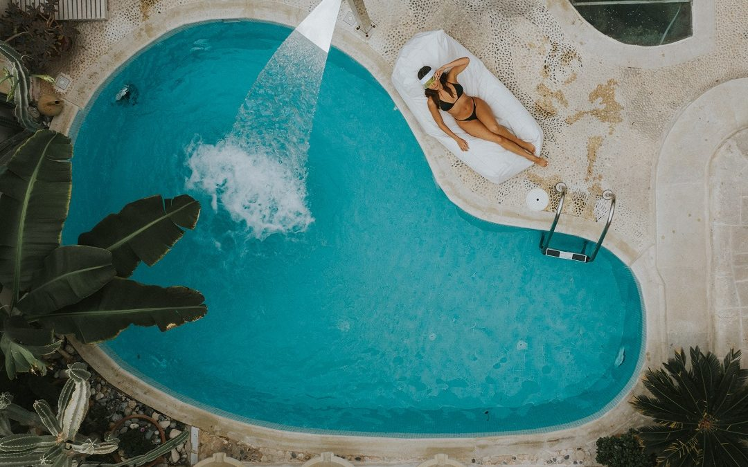Fancy Swimming in Luxury Pools in Australia and around the World?